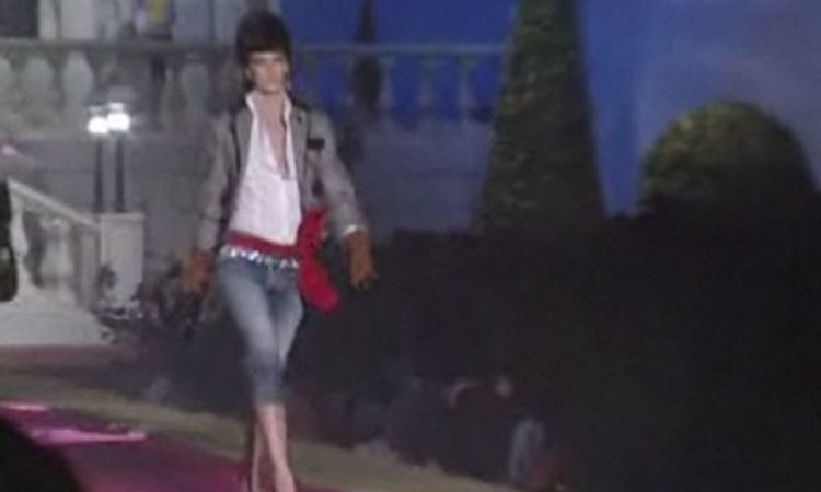 Dsquared²  Fall 2006 Ready-to-Wear - Vogue Videos - The Scene 338dc9bae5a