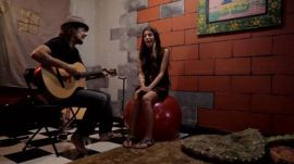 Christina Perri and Jason Mraz, Live from Jason's Dressing Room, in an Exclusive Backstage Video