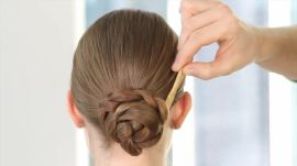 Super Easy Day-to-Evening Hairstyle How-To. Try It When You Have to Go from the Office to a Holiday Party in 2 Minutes Flat