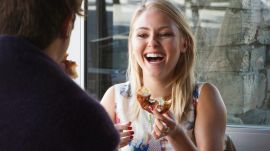 AnnaSophia Robb Tries a Cronut for the First Time