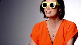How to Wear Bold Sunglasses