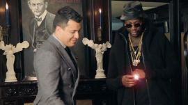 2 Chainz Tries on a Lakers Championship Ring