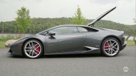 Ars Test Drives a Lamborghini Huracán