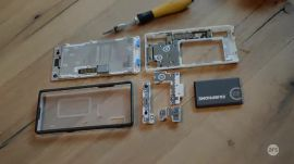 The Fairphone 2 gets disassembled and reassembled