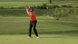 Tom Watson: The Correct Way To Move Your Knees