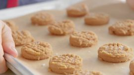 How to Make 3-Ingredient Peanut Butter Cookies