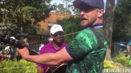 The Grind: Justin Timberlake's surprise performance and Paulina's Valentine greeting