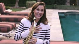 Jennifer Garner Shows Off Her Saxophone Skills