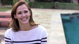 Jennifer Garner Cleaned Theater Bathrooms in Her Early Acting Days