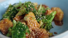 How to Make Sesame Chicken in 22 Minutes
