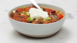 This 200-Calorie Lentil Chili Is Actually So Delicious