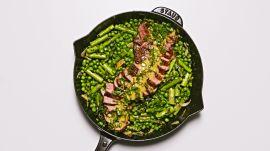 One-Skillet Steak and Peas