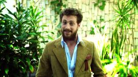 """Aaron Taylor Johnson Loves to Sing """"A Whole New World"""""""