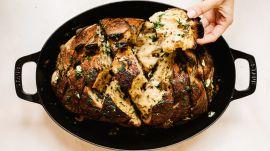Pull-Apart Cheesy Garlic Loaf