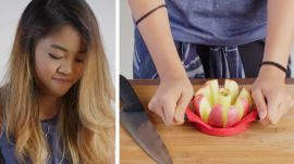50 People Try to Slice an Apple for Pie