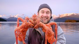 Brad Cooks Crabs