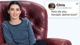Kendall Jenner DMs Fans on Twitter