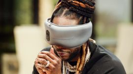 2 Chainz Tries a $300 Sleep Mask