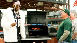 2 Chainz Out the Most Expensivest Grill