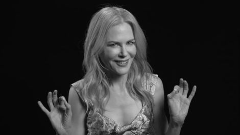 "Nicole Kidman Recalls Baz Luhrmann's ""Legendary"" Moulin Rouge New Year's Eve Party"