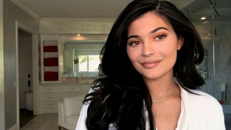 Watch Kylie Jenner Do Her Lip Liner With Her Eyes Closed—and More