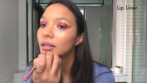 Lais Ribeiro Reveals Her Glittery Carnaval Makeup Look