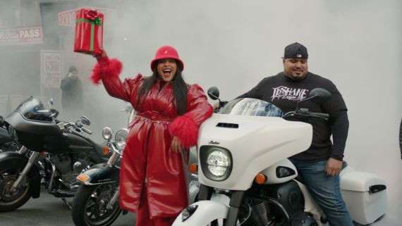 See Model Paloma Elsesser Play Santa On the Streets of New York City