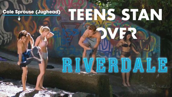 7 Riverdale Fans Explain Why The Show is So Good | Stanning