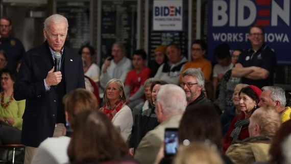 Welcome to Iowa: The Final Weeks Before the First Democratic Vote