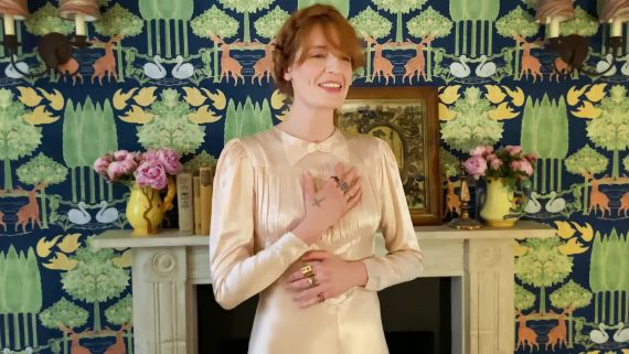 "Watch Florence + the Machine Perform at Vogue's ""A Moment With the Met"""
