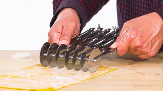 5 Pasta Making Gadgets Tested By Design Expert