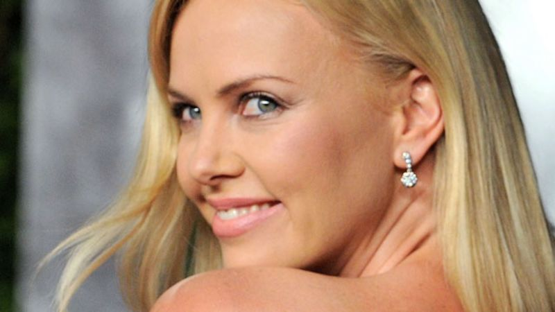 Charlize theron head in the clouds - 1 part 10