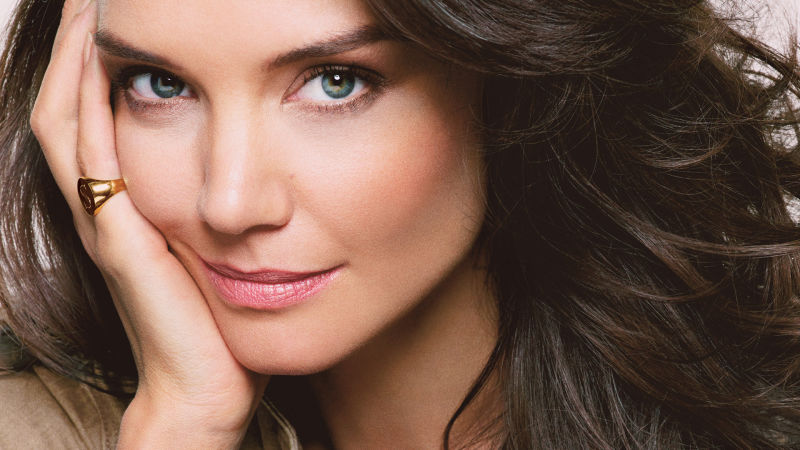 Katie Holmes Takes a Break from Her Glamour Photo Shoot to Play Word ... Katie Holmes