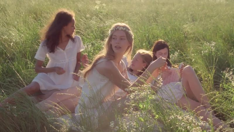 Watch Marc Jacobs Daisy Fragrance Campaign Vogue Video