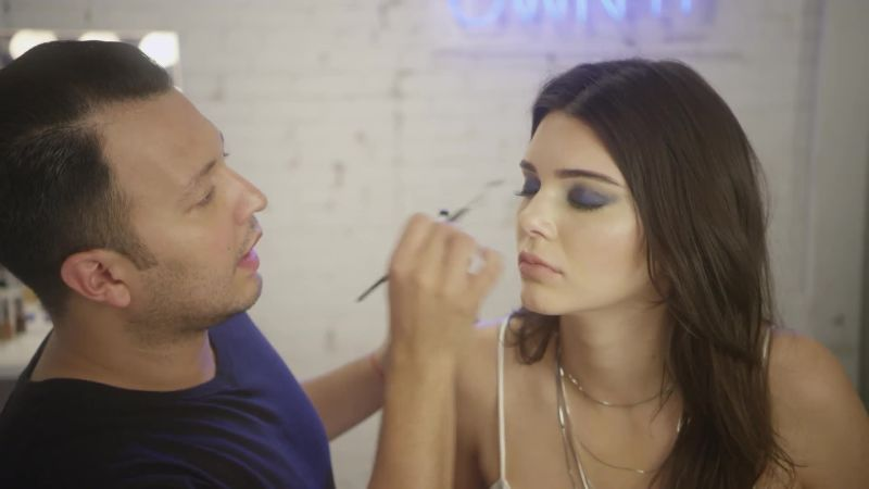 Watch Watch Kendall Jenner S Makeup Artist Give Her The