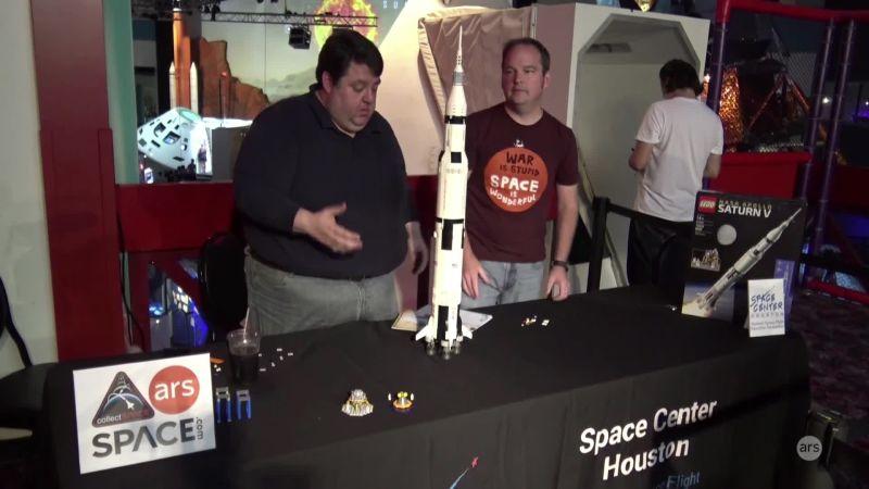 Building the Lego NASA Saturn V rocket | Ars Technica