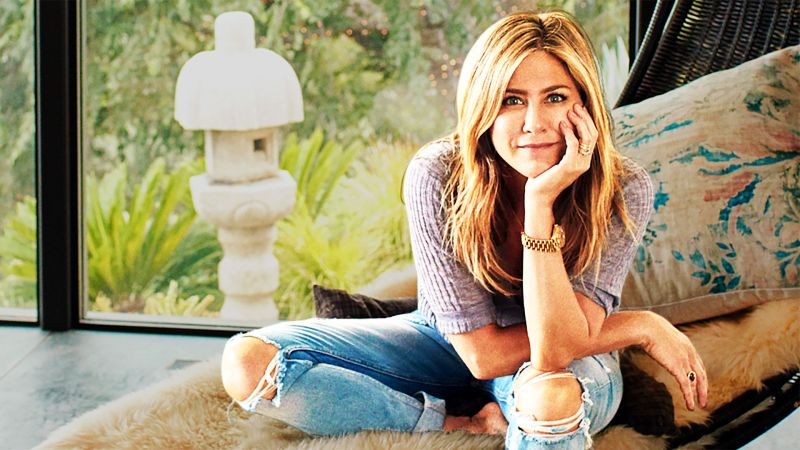 7883a3d85 Watch Jennifer Aniston s Designer Breaks Down Jen s New Home with Justin  Theroux