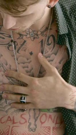 Watch Tattoo Tour The Late Night Tattoos Of Machine Gun Kelly Gq
