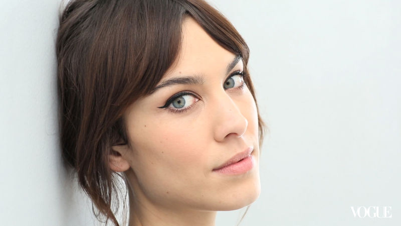 Watch The Monday Makeover Alexa Chungs Cat Eye Vogue Video