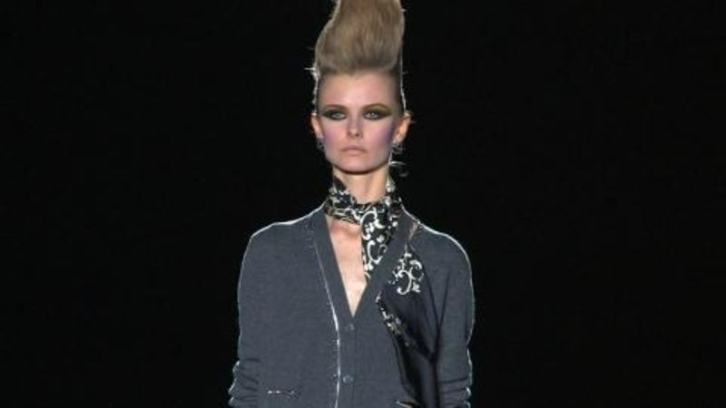 c1603158e1daa Marc Jacobs  Fall 2009 Ready-to-Wear - Vogue Videos - The Scene