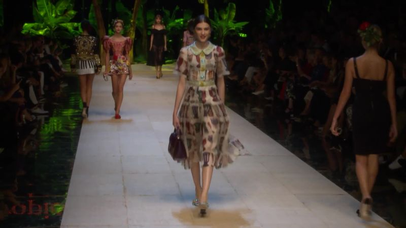 Dolce   Gabbana Spring 2017 Ready-to-Wear Collection - Vogue 958eb5da544