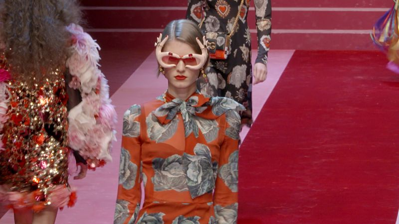 79e5299b2b Dolce   Gabbana Spring 2018 Ready-to-Wear Collection - Vogue